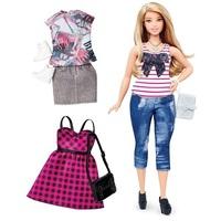 Кукла Барби Игра с модой Barbie Fashionistas c дополнительными нарядами DTF00