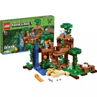 Домик на дереве в джунглях